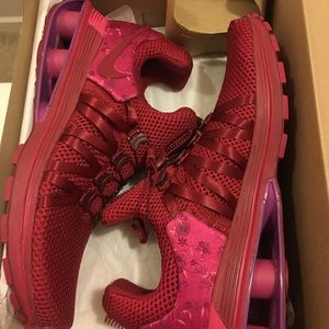 Brand New!! Women running shoes